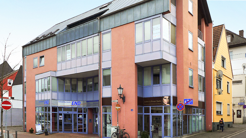 2 office and commercial buildings in Homburg marketed